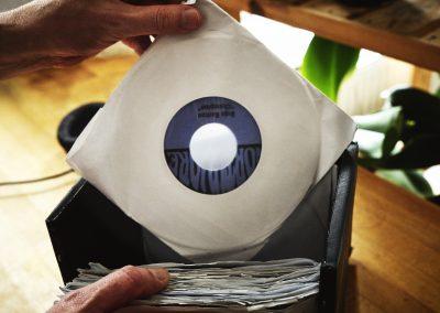 VinylCutters_Lifestyle_100